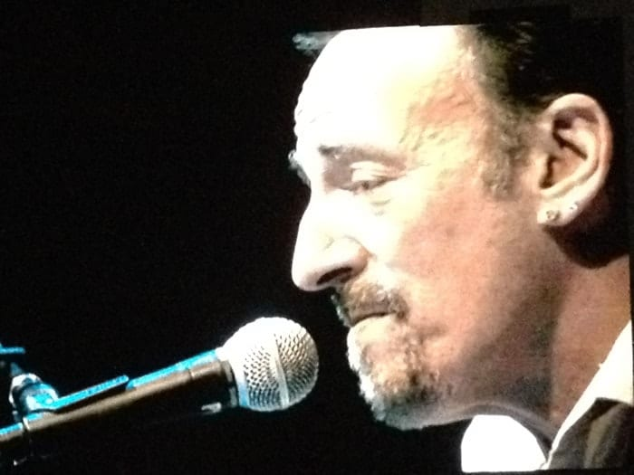 Bruce Springsteen sings at Hersheypark 2014