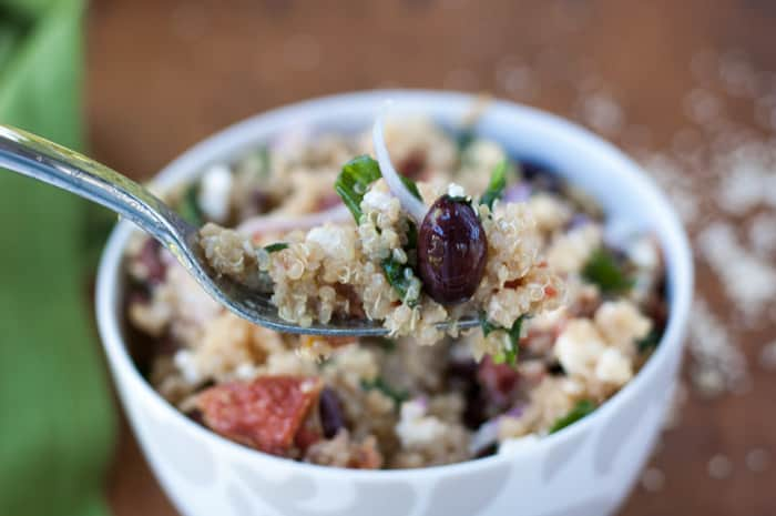 Easy Greek Quinoa with Roasted Tomatoes #glutenfree #quinoa #vegetarian