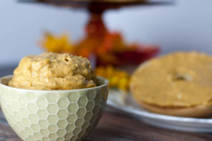 Pumpkin Cream Cheese Spread - tastes exactly like pumpkin pie! A great easy ready-to-eat breakfast recipe for busy holidays