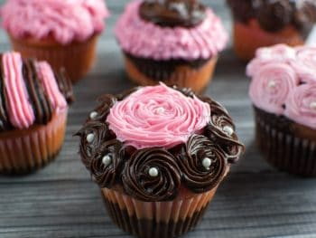 Impressive Fancy Party Cupcakes - perfect strawberry & chocolate fudge for Breast Cancer Awareness or any party where you want to impress!